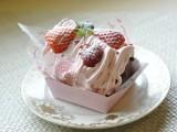 苺モンブランのショコラシフォン